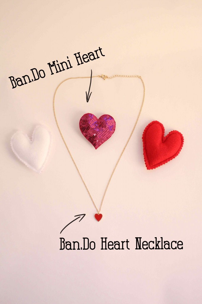 Heart-Necklace-and-Pin-in-the-Middle