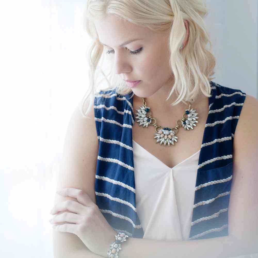 Gold Chain Morningtide Model Necklace